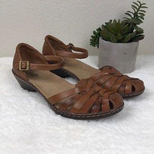 Clark's Bendables Brown Wendy Land sandal SZ 8.5
